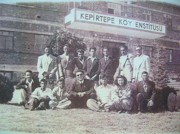 Enstitüde Yetişmiş Köy Öğretmenleri